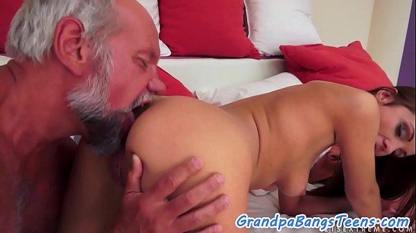 Xvideos incesto tio taradão comendo a sobrinha